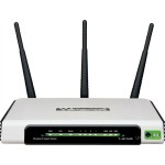 ROUTER TP-LINK; model: TL-WR1043ND; MANAGEMENT; WIRELESS; PORTURI: 4 x RJ-45 10/100/1000